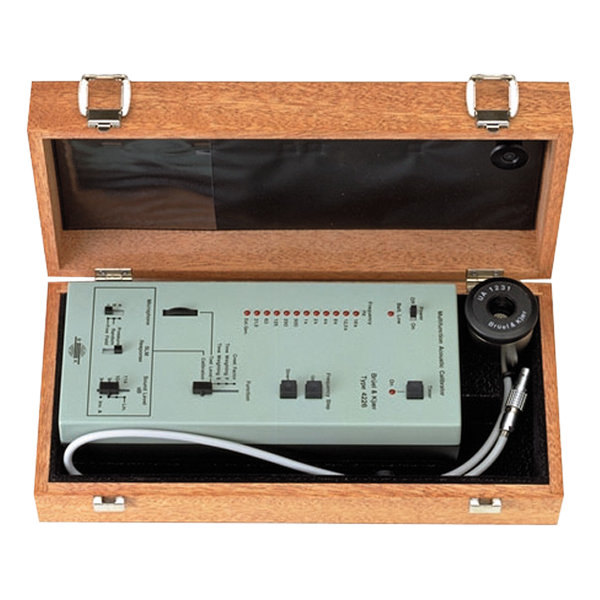 4226 Multifunction Acoustic Calibrator