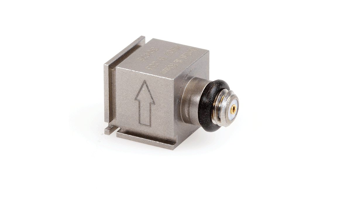 B&K Type 4507-B-005  Piezoelectric CCLD Accelerometer, TEDS, 10MV/G, Side Connector, Excl. Cable